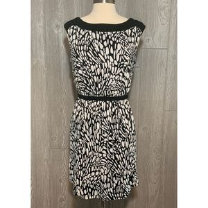 LOFT Black & White Knit Stretch Dress Size S
